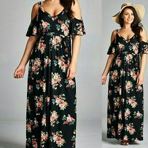 Dresses - ⚘PLUS⚘Floral print Maxi dress